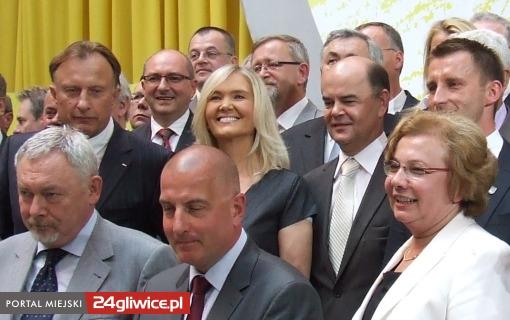 Uwagę mediów niewątpliwie przyciągała obecność wśród kandydatów zupełnie odmienionej Anny Kalaty. Byłej minister Pracy iPolityki Socjalnej zramienie Samoobrony.